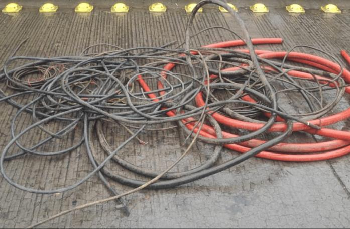 Arrestan a cuatro hombres; robaron herramienta y 40 kilos de pedacería de cobre de una planta de zinc
