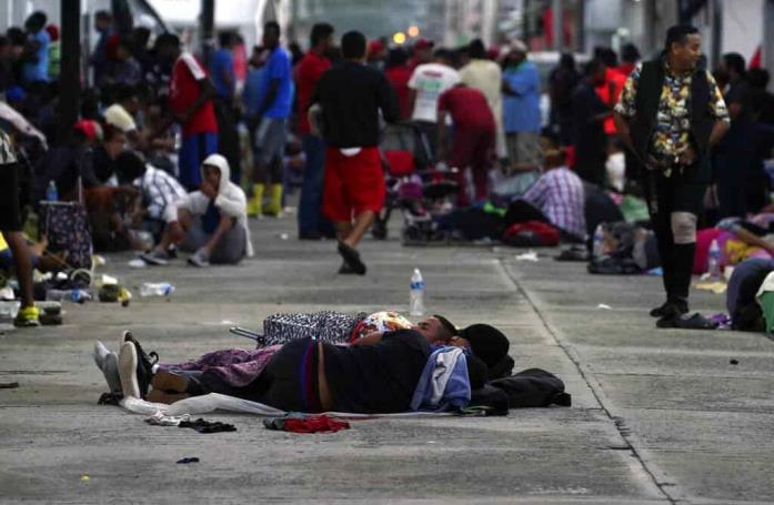 Caravana migrante descansa luego de tres días por México